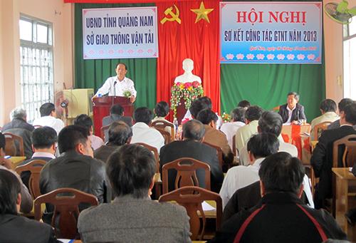 Phó Chủ tịch UBND tỉnh Đinh Văn Thu phát biểu chỉ đạo hội nghị.