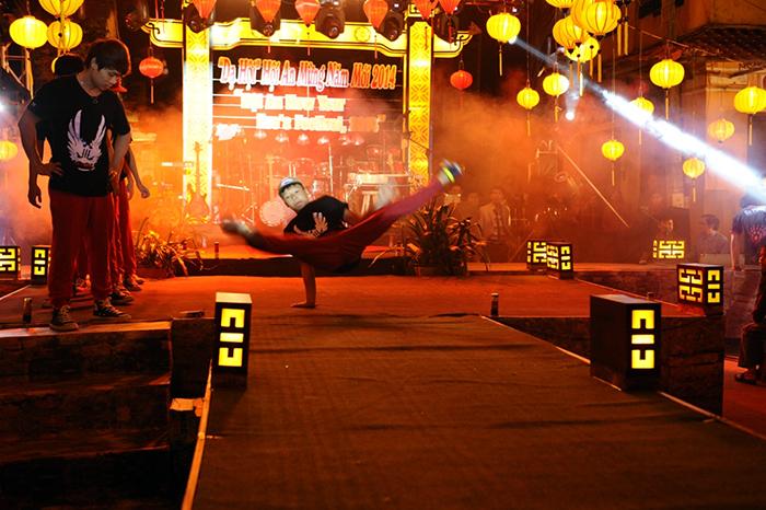 Hip hop dance performance.