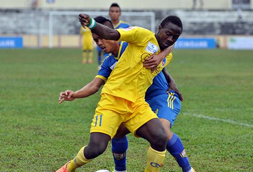 Yahaya ghi bàn thắng danh dự trên sân Sông Lam Nghệ An
