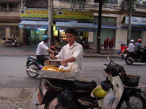 Sau tết, nhiều con em xứ Quảng đã vào TP. Hồ Chí Minh mưu sinh. Ảnh: L.V