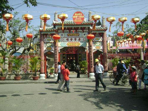 Hội quán Triều Châu, một trong những điểm tham quan của du khách vào dịp Tết Nguyên tiêu.