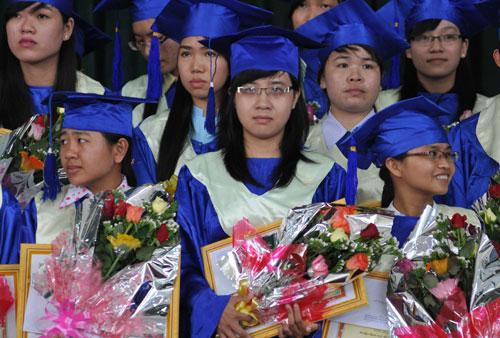 Sinh viên trường ĐH Quảng Nam tại buổi lễ  tốt nghiệp năm 2013.                                                                                                                 Ảnh: X.PHÚ