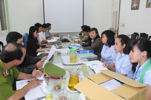 Đoàn kiểm tra liên ngành kiểm tra tại Công ty Thái Việt Agri Group.Ảnh:D.L