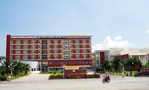 Bệnh viện Đa khoa trung ương Quảng Nam tại trung tâm huyện Núi Thành đã góp phần khám chữa bệnh cho nhân dân.  TRONG ẢNH: Toàn cảnh Bệnh viện Đa khoa trung ương Quảng Nam. Ảnh: PHƯƠNG THẢO