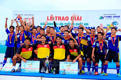 U15 PVF vô địch giải bóng đá U15 quốc gia 2013.