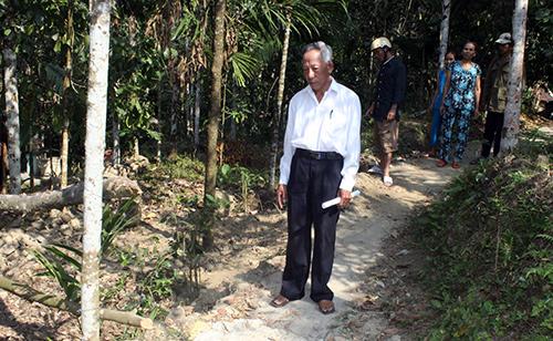 Đường đi của 7 hộ dân bị ông Nhân rào chắn đã được tháo dỡ khi chính quyền can thiệp. Ảnh: D.L