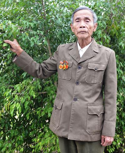 Cựu chiến sĩ công binh đặc công Lữ Tấn Xa. Ảnh: Q.VIỆT