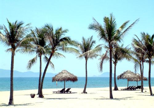 Bãi biển Hà My được xem là một trong những bãi biển đẹp và hoang sơ của Quảng Nam.Ảnh: VĨNH LỘC