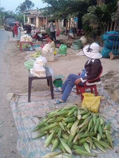 Chợ bắp được hình thành ở vùng Bàu Tròn