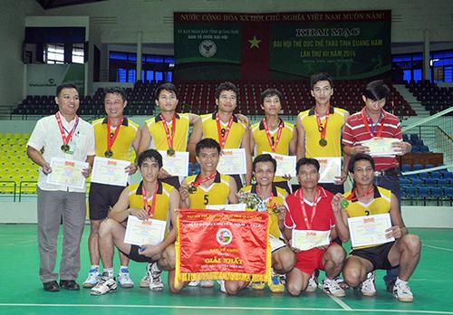 Đội Nam Giang đoạt chức vô địch Giải Bóng chuyền nam khối các huyện miền núi, Đại hội TD-TT tỉnh. Ảnh: T.VY