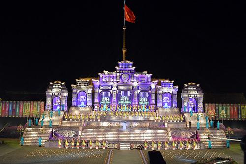 Lễ khai mạc Festival diễn ra với quy mô hoành tráng và ấn tượng.