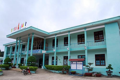 Trung tâm Y tế huyện Tây Giang, một trong 3 cơ sở được UBND tỉnh thống nhất chủ trương đầu tư xây dựng hệ thống xử lý nước thải. Ảnh: P.Giang