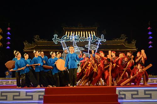 Ca Huế - loại hình âm nhạc truyền thống, thể hiện tâm tư tình cảm và bản sắc riêng mang tính đặc trưng của mảnh đất và con người xứ Huế.