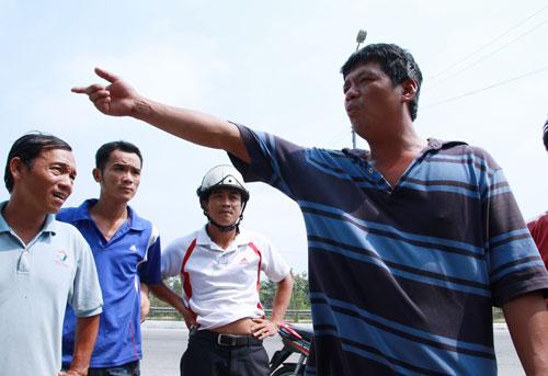 Tài xế Văn Trọng Chinh phản ứng với lực lượng thanh tra làm nhiệm vụ tại trạm vì không đồng ý bị xử phạt.