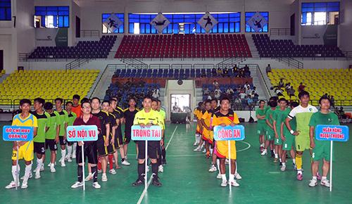 Chỉ có 4 đội tham gia giải bóng đá 5 người Đại hội TD-TT tỉnh khối ngành. Ảnh: ANH SẮC