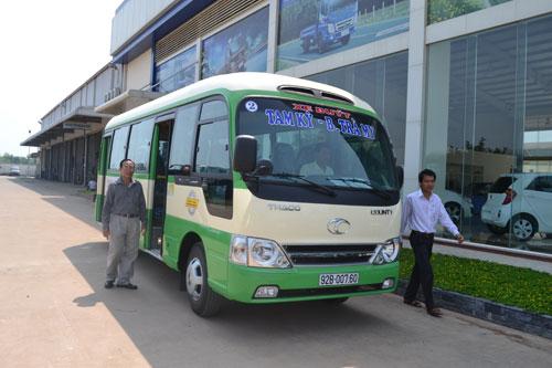 Xe buýt phục vụ trên tuyến được hợp tác xã sắm mới với chất lượng cao.