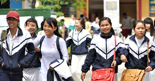 Niềm vui của các thí sinh sau kỳ thi tốt nghiệp năm học 2012-2013.