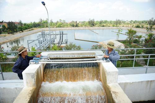 Hệ thống xử lý và cấp nước sinh hoạt của Công ty CP Cấp thoát nước Quảng Nam. Ảnh: A.L