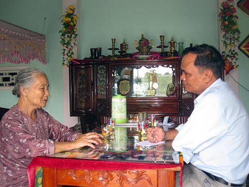 Bà Võ Thị Phận kể lại sự việc với người viết.