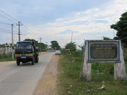 Đường giao thông nông thôn tại Duy Xuyên, một trong những dự án hoàn thành khả dụng từ vốn viện trợ nước ngoài. Ảnh: T.D