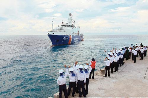 Tàu Cảnh sát biển Việt Nam lên đường làm nhiệm vụ.