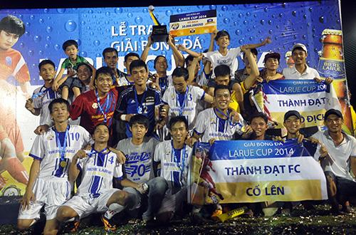 Niềm vui đoạt chức vô địch của Thành Đạt FC.