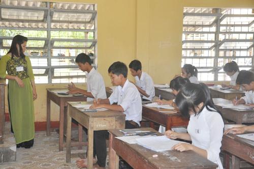 Thí sinh thi tốt nghiệp năm học 2013 - 2014 tại Hội đồng thi Trường THPT Nguyễn Thái Bình (Thăng Bình). Ảnh: X.PHÚ