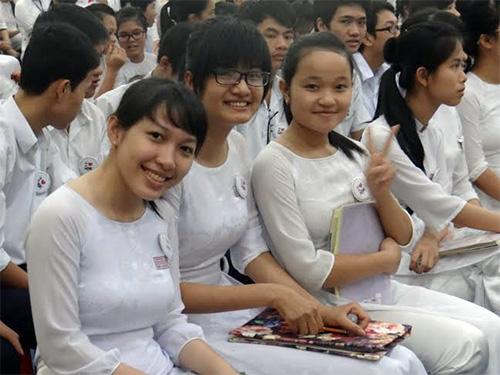 Học sinh trong lễ trưởng thành.