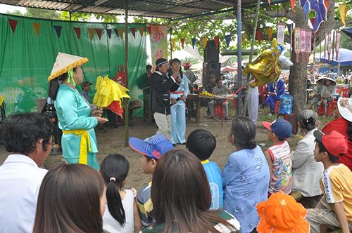 Trò chơi bài chòi tại Lễ hội Bà Thu Bồn năm 2014. Ảnh: D.H