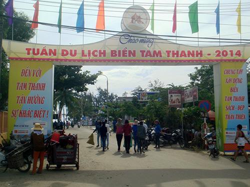 Tam Thanh đón chào mùa du lịch biển 2014. Ảnh: HOÀNG BIN