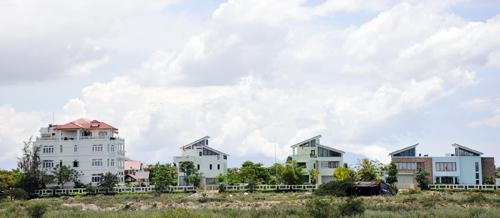 Chính sách đất đai mới sẽ tạo ra môi trường làm ăn lành mạnh, công bằng cho các nhà đầu tư.Ảnh: HỮU PHÚC