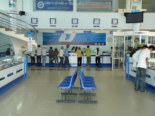 Với các điểm bưu cục được đầu tư đồng bộ và rộng khắp, Bưu điện Quảng Nam có cơ hội mở các dịch vụ công đáp ứng nhu cầu người dân.Ảnh: H.ĐẶNG
