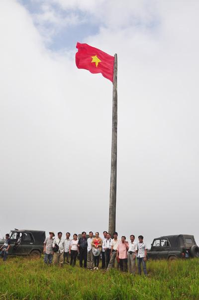 Cột cờ A Tiên.