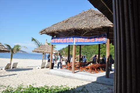 On the beach of Cham Island