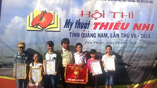 Huyện Phước Sơn giành giải nhất toàn đoàn tại Hội thi Mỹ thuật toàn tỉnh lần VII.Ảnh: L.QUÂN