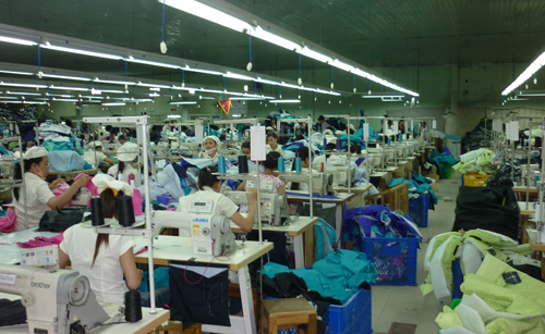Công ty CP May Trường Giang là một trong những doanh nghiệp điển hình tiết kiệm điện ở Quảng Nam.Ảnh: NHỊ TRIỀU