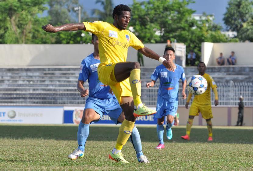 Henry góp công cho chiến thắng 2-1 của QNK Quảng Nam trên sân Hoàng Anh Gia Lai