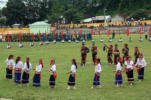 Chương trình tổng duyệt hội tụ nhiều sắc màu văn hóa của các dân tộc anh em.