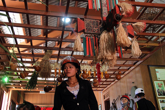 Local traditional products were displayed at the exhibition space of the festival.