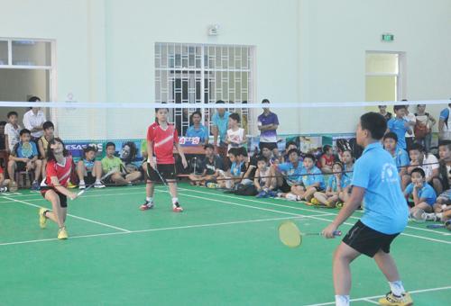 Giải cầu lông được coi là sân chơi bổ ích cho thiếu nhi cả tỉnh. Ảnh: T.VY
