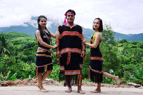 The owners of Truong Son massive jungle - They themselves will continue to maintain and promote the unique cultural character of the ethnic minority groups in Quang Nam province.
