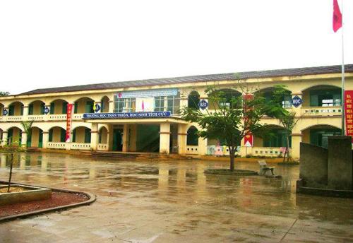 Khuôn viên Trường Trung học Phan Châu Trinh.