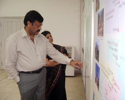 Bộ trưởng Du lịch Ấn Độ tham quan Nhà trưng bày Mỹ Sơn vào tháng 1.2013.Ảnh: V.LỘC