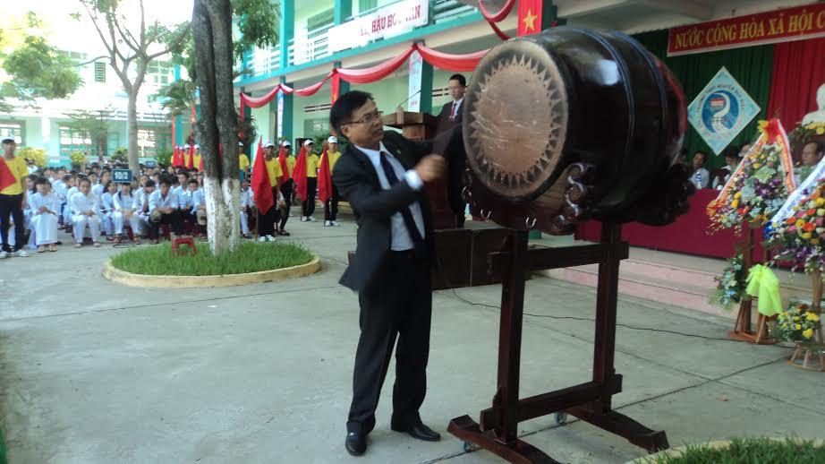 Quang cảnh lễ khai giảng tại trường Nguyễn Duy Hiệu. Ảnh: PHẠM LỘC