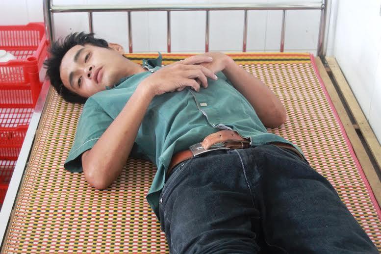 Thủy Hồng Vương đang điều trị tại Trung tâm y tế huyện Thăng Bình.