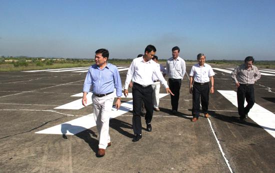 Lãnh đạo tỉnh Quảng Ngãi thị sát cơ sở hạ tầng Sân bay Chu Lai