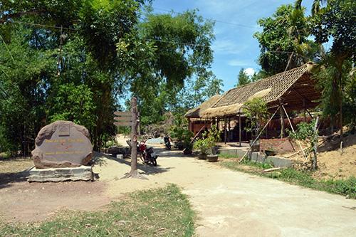 Căn nhà tranh của ông Võ Văn Xoa sẽ là nơi đón khách du lịch thời gian tới.