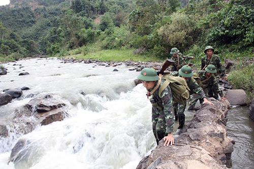 Bộ đội Biên phòng Quảng Nam tuần tra, bảo vệ biên giới.