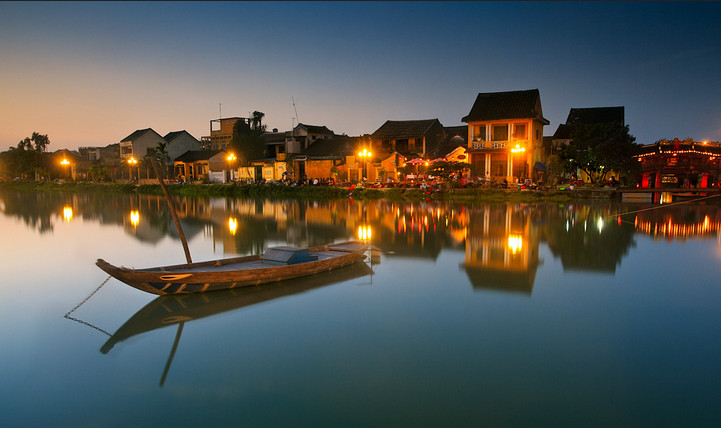 A corner of Hoi An's canals