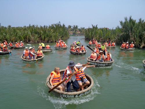 Du lịch bền vững hướng đến sự thân thiện với môi trường. Ảnh: T.V.L